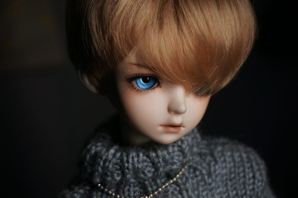 かなしそうな人形