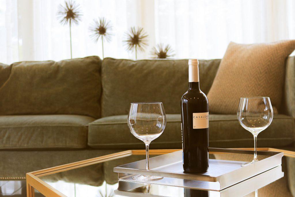ワインとワイングラス